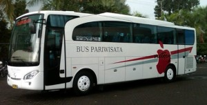 bus pariwisata jawa timur